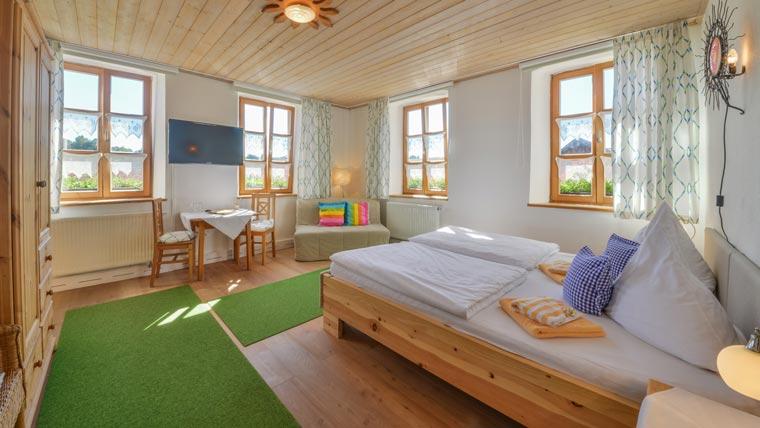 Dreibettzimmer im Hotel Pritscher bei Straubing